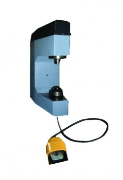 Comec CC300E Станок для наклепки тормозных накладок на колодки (электро)