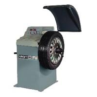 KraftWell CB920B Балансировочный станок c ручным вводом
